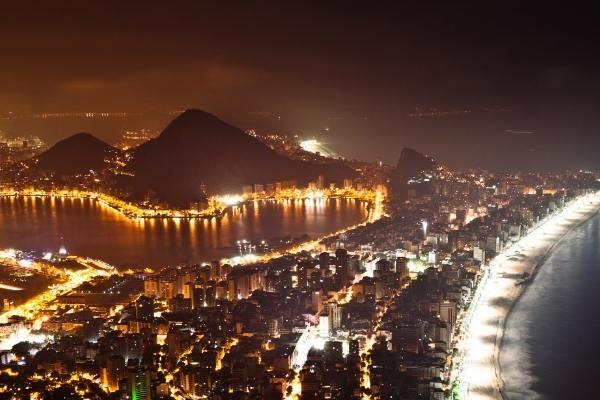 Foto aerea da noite no Rio de Janeiro