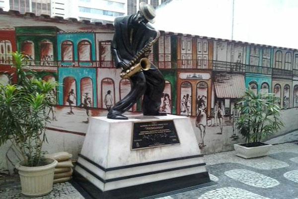 Estátua Pixinguinha