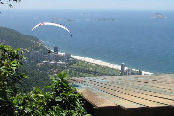 Voo panorâmico de parapente no Rio de Janeiro