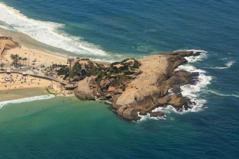 Praia - Vista do passeio de helicóptero pelo Rio de Janeiro