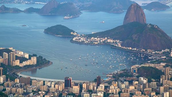 A Baía de Guanabara possui mais de 100 ilhas