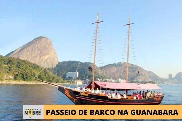 Barco de Passeio na Baía de Guanabara